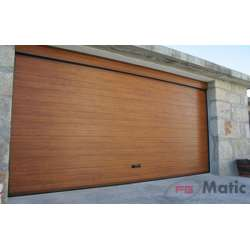 Puerta seccional imitación madera acanalada